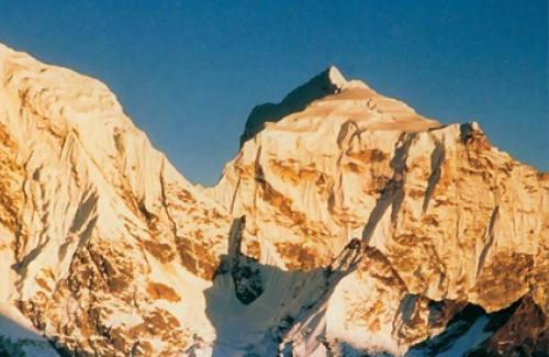 Cho-latse peak